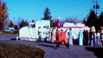 Special Events Ann Morrison Park, Fairyland Parade; Floats assembling at A.M. Park before the parade. November 1976